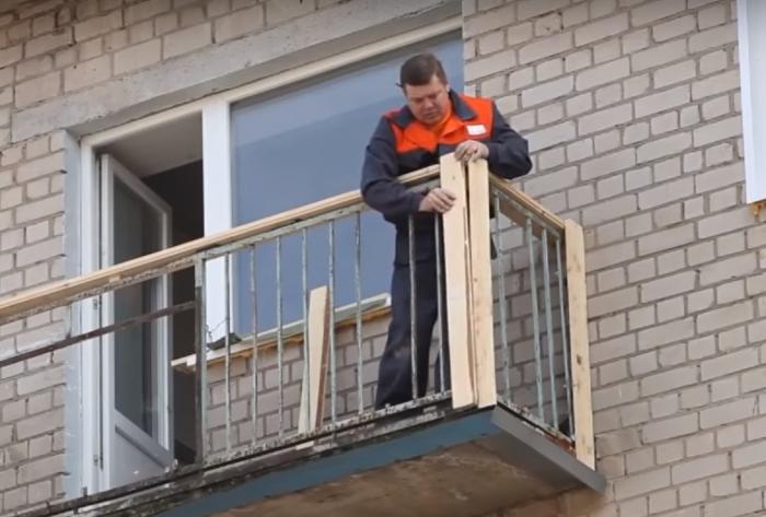 монтаж сайдинга на балконе видео